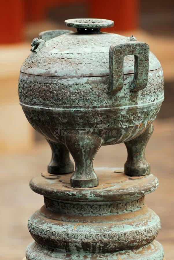 古铜色中国花瓶 库存照片
