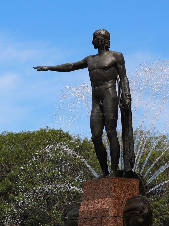 古铜色雕象,男性 免版税库存图片