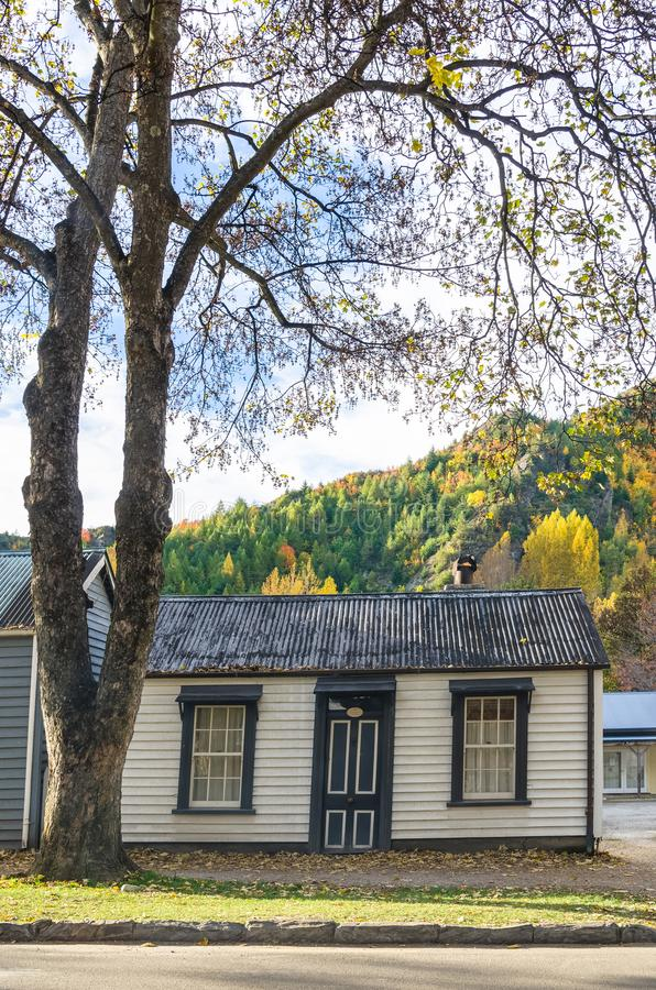 古镇秋天风景在Arrowtown,新西兰 免版税库存照片