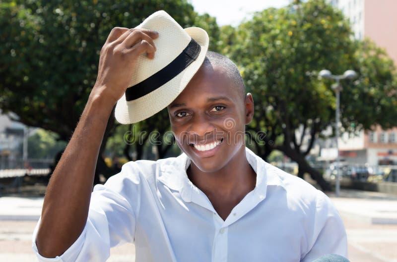 从古巴的问候人有草帽的 免版税库存图片