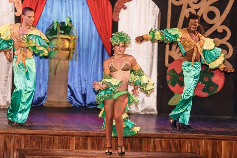 古巴舞蹈家表现 免版税库存照片