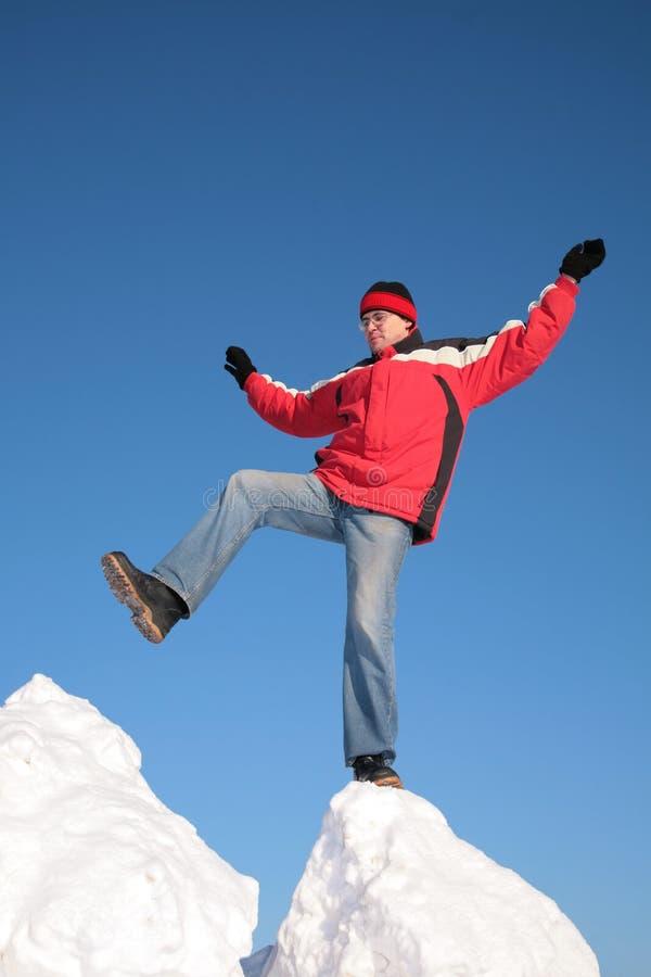 另一个大块人一多雪的步骤 免版税库存图片