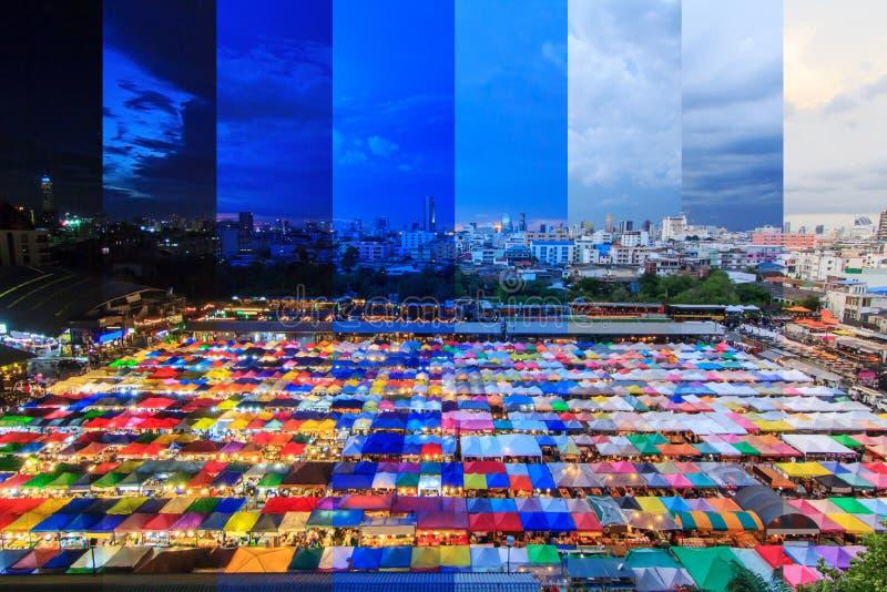 另外帆布帐篷树荫颜色顶视图在室外市场上 免版税库存照片