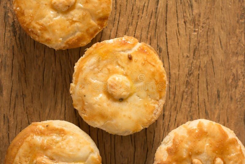 叫作Empada的被充塞的鸡饼在葡萄牙和巴西 Grou 库存图片