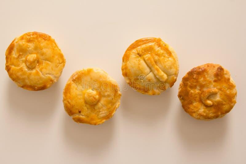 叫作Empada的被充塞的鸡饼在葡萄牙和巴西 Snac 免版税图库摄影