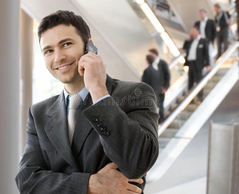 叫的生意人电话 免版税库存照片