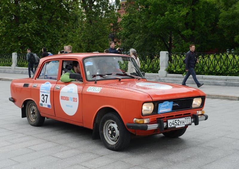 召集的老汽车汽车` Moskvich-2140 `在莫斯科 免版税库存图片
