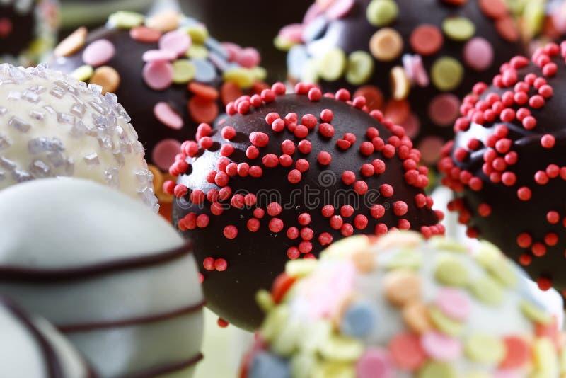 可口五颜六色的巧克力果仁糖 免版税图库摄影