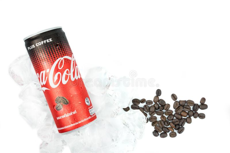 可口可乐名字加上从公司的咖啡是最大的汽水制造者和经销商世界的在焦炭品牌 建立 免版税库存图片