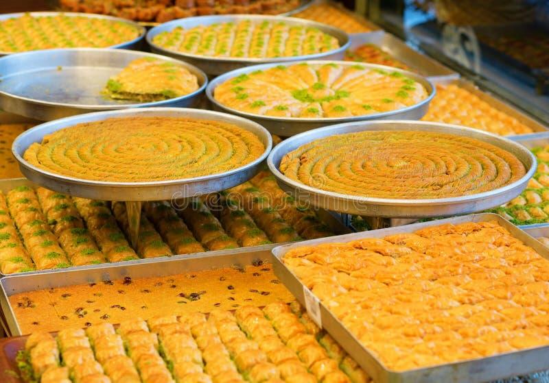 可口土耳其果仁蜜酥饼 库存图片