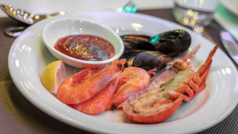 可口新蒸的虾和壳 免版税库存图片