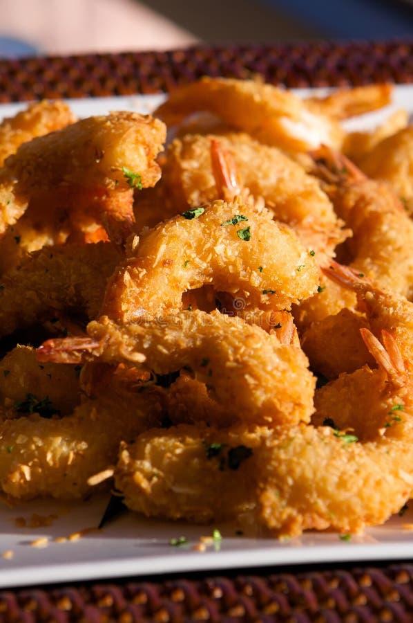 可口新鲜的油煎的虾 库存图片