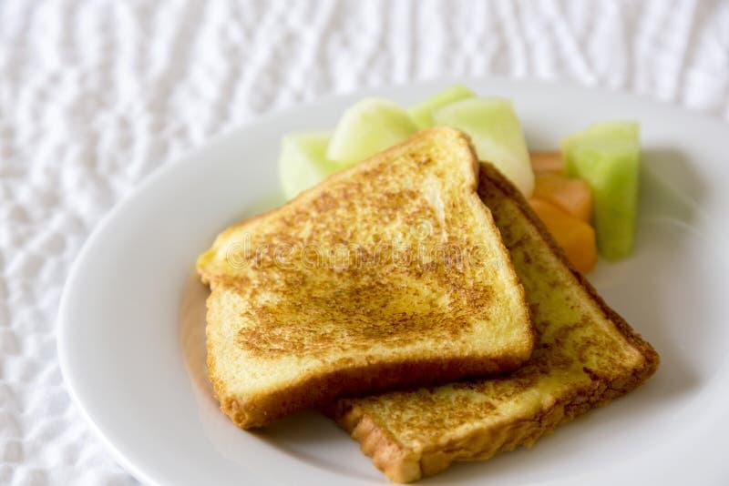 可口桂香布朗法式多士早餐 图库摄影