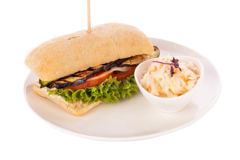可口素食主义者素食汉堡用烤茄子 免版税库存照片