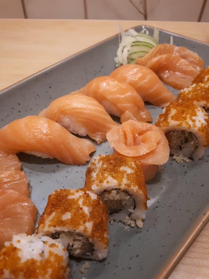 可口Koibito三文鱼寿司苏拉巴亚 库存照片