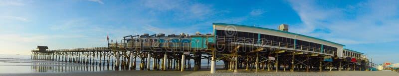 可可粉海滩码头 免版税库存照片