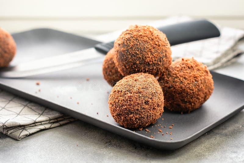 可可粉球,巧克力球蛋糕 免版税图库摄影