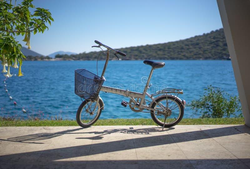 可折叠自行车 免版税库存图片