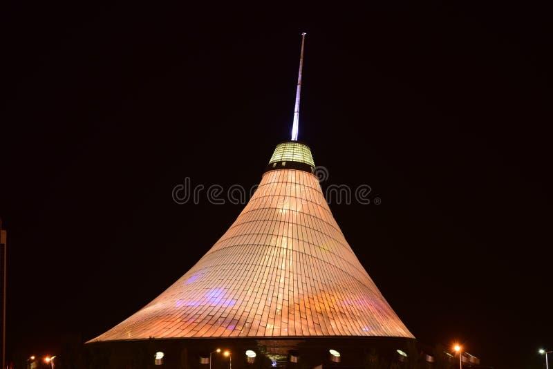 可汗SHATYR娱乐中心在阿斯塔纳/哈萨克斯坦 免版税库存图片