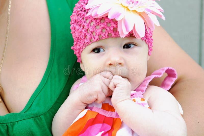 可爱去婴孩照相机查找 免版税库存图片