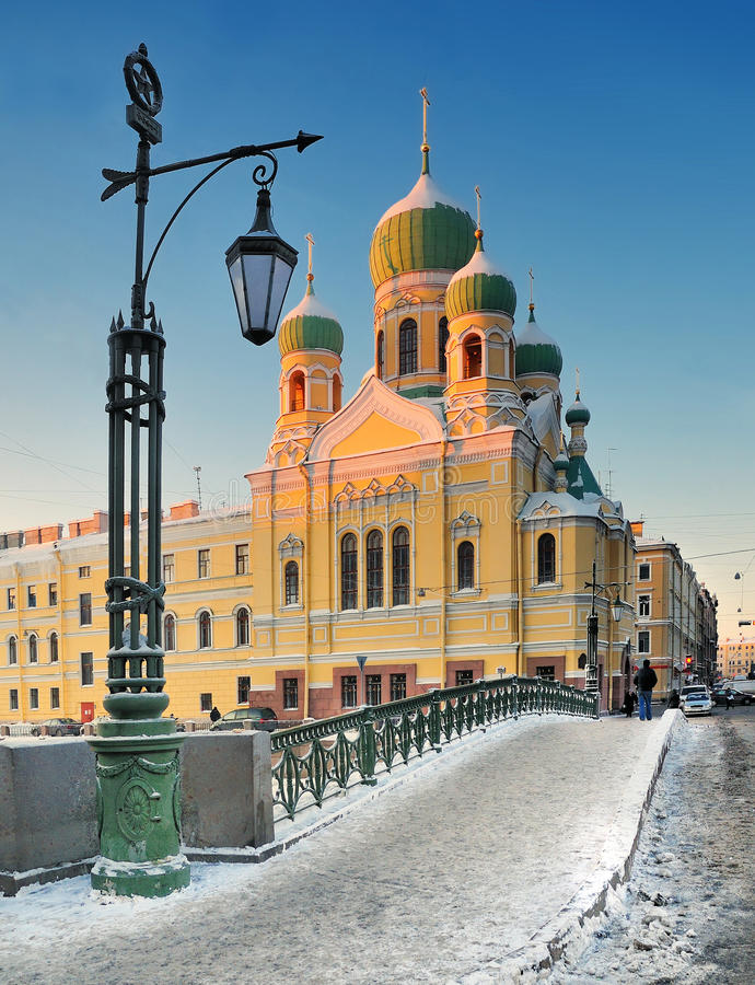可爱的冬天晚上在圣彼得堡 免版税库存照片