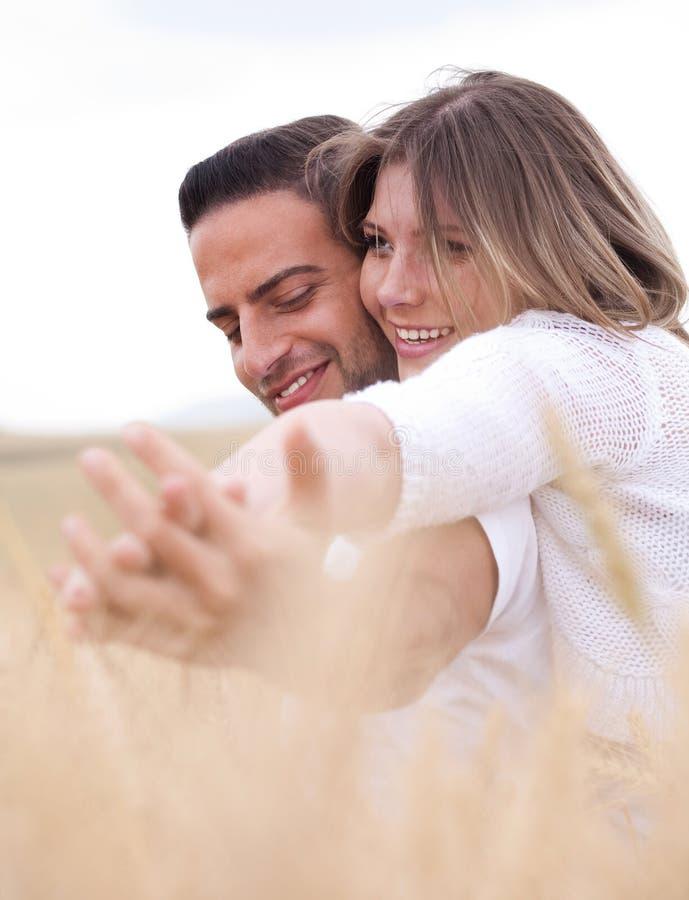 可爱的夫妇 免版税库存照片