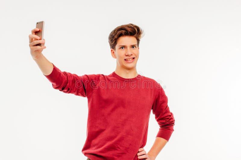 可爱的年轻人少年不要做selfie 免版税图库摄影