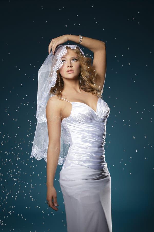 可爱的新娘纵向 图库摄影