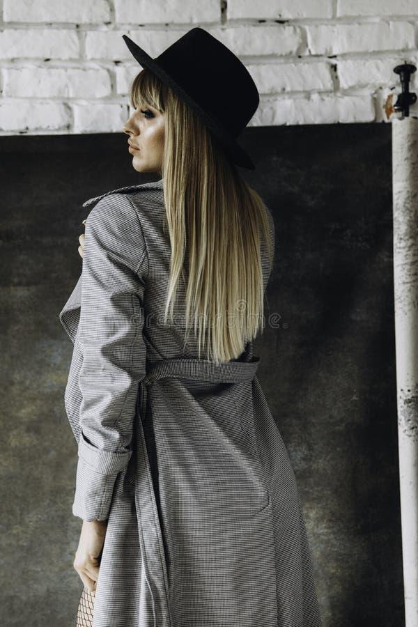 可爱的时尚女孩 图库摄影
