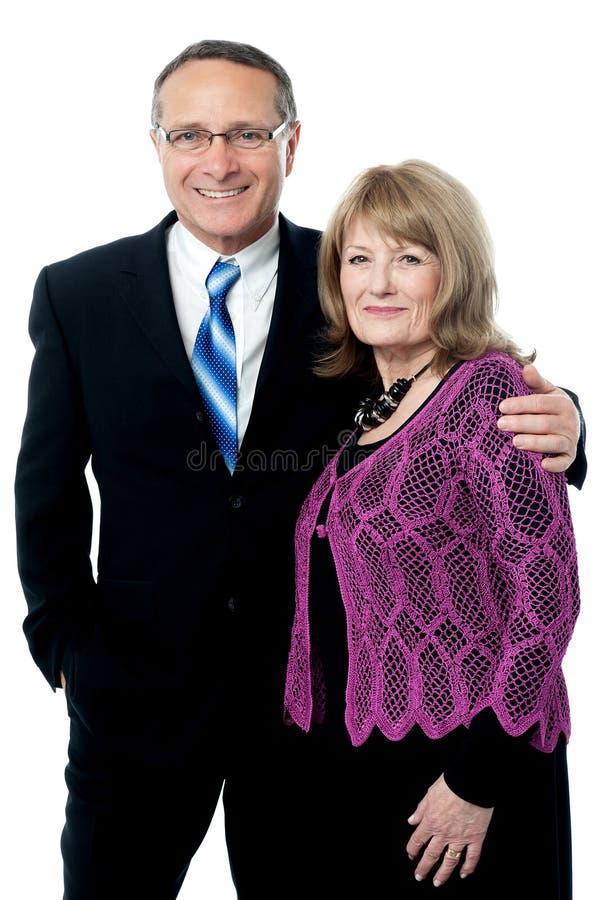 可爱的聪明的愉快的资深夫妇 库存照片