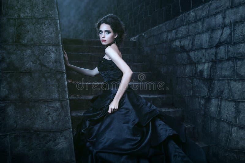 可爱的黑人礼服妇女 图库摄影