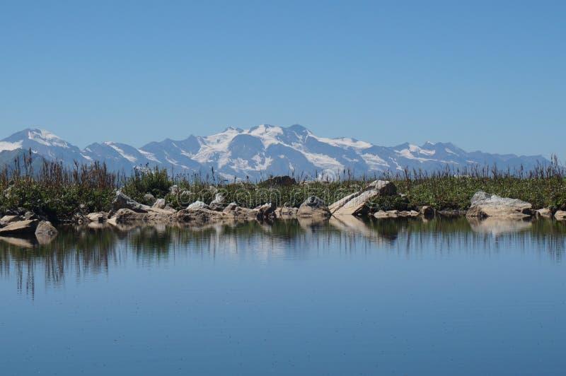 可西嘉岛科西嘉岛creno de法国LAC湖山山 库存照片