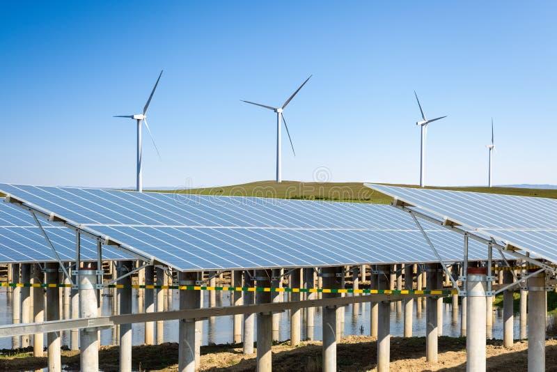 可更新的新的能量背景 免版税库存照片