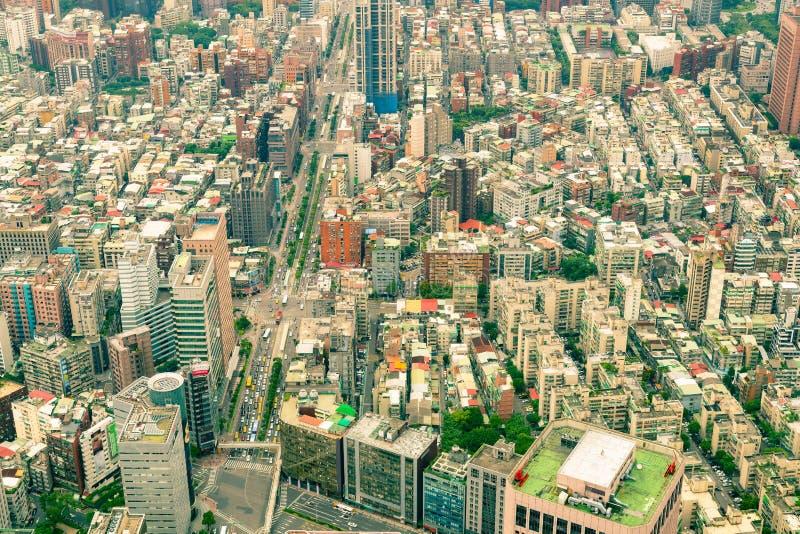 台北城市拥挤住所区域鸟瞰图 免版税库存照片