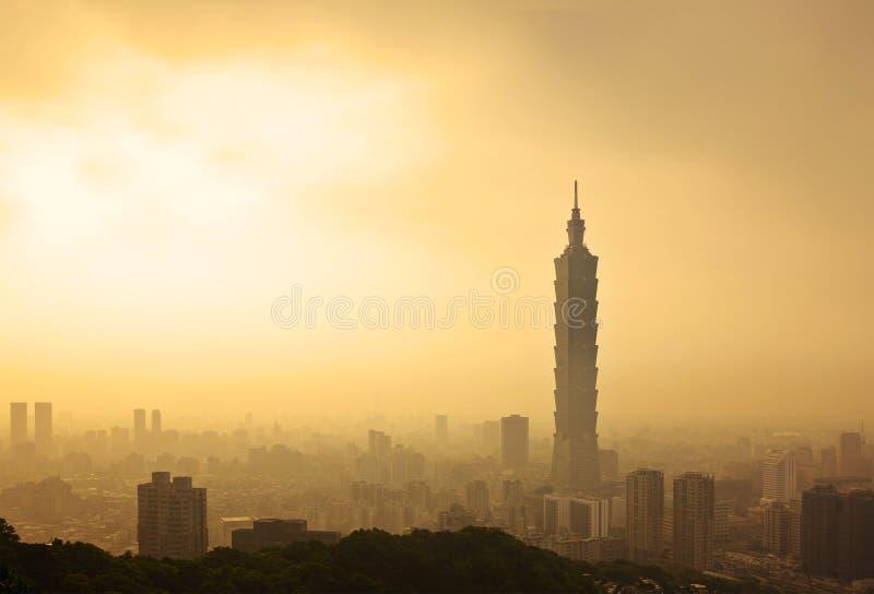 台北,台湾晚上地平线 免版税库存照片