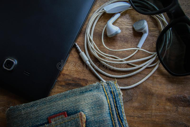 台式时钟耳机 库存照片