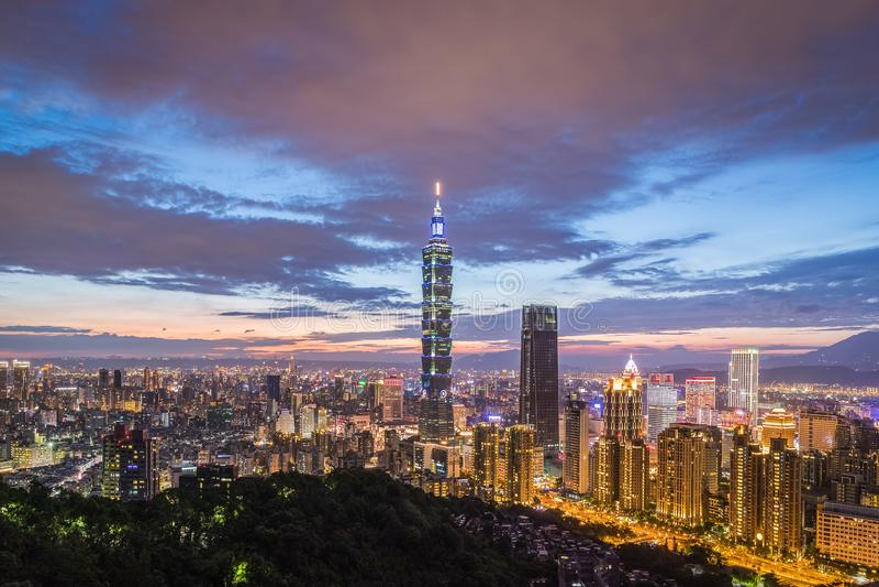台湾台北市夜视图 免版税库存照片
