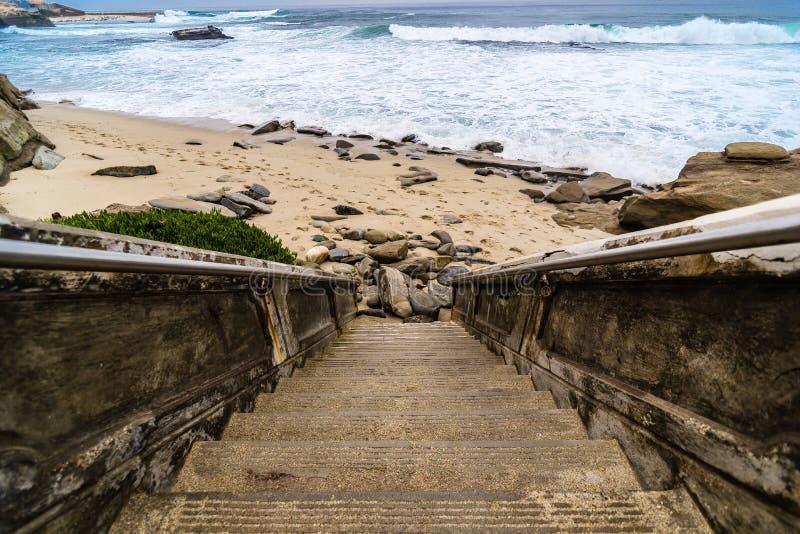 台阶向太平洋 库存图片