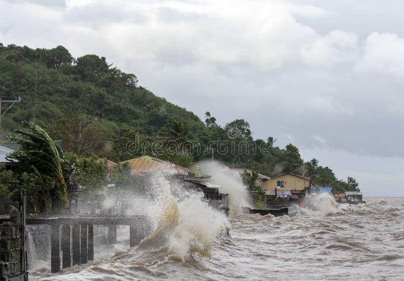 台风海盐的命中菲律宾 图库摄影