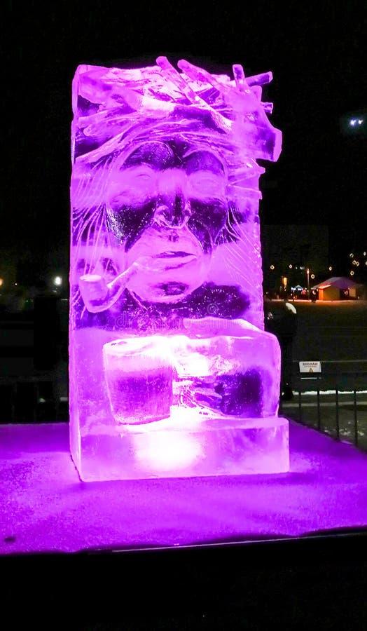 叶尔加瓦/拉脱维亚- 2017年2月10日:小被雕刻的冰sculptu 免版税库存图片