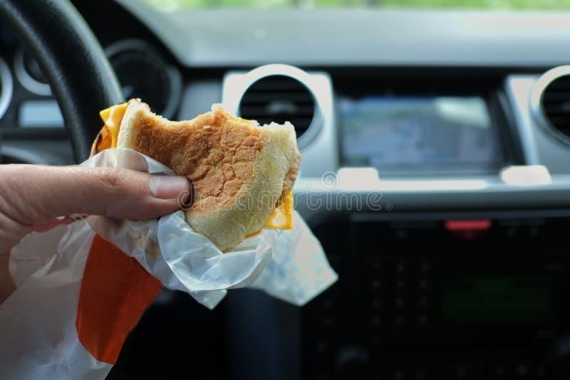 司机吃 免版税库存图片