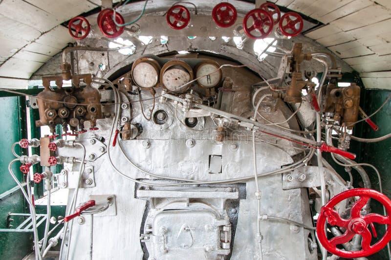 司机cabin& x27;加拿大机车的s内部 库存图片