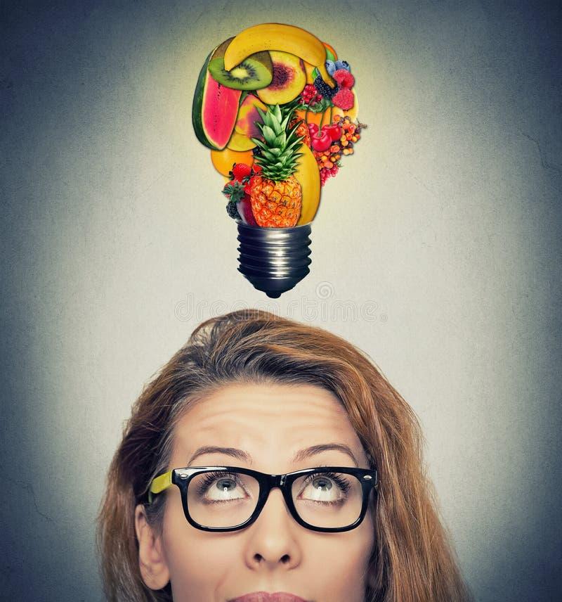 吃健康想法和饮食技巧概念 免版税库存图片