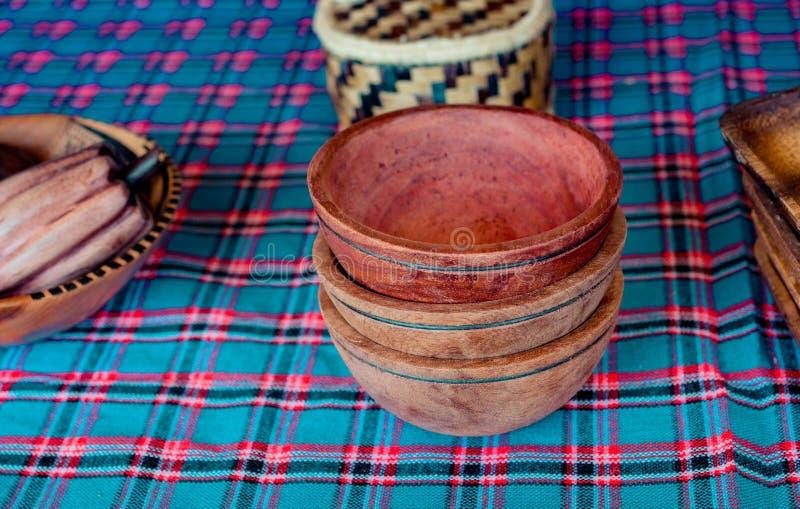 吃的木空的碗 免版税库存图片
