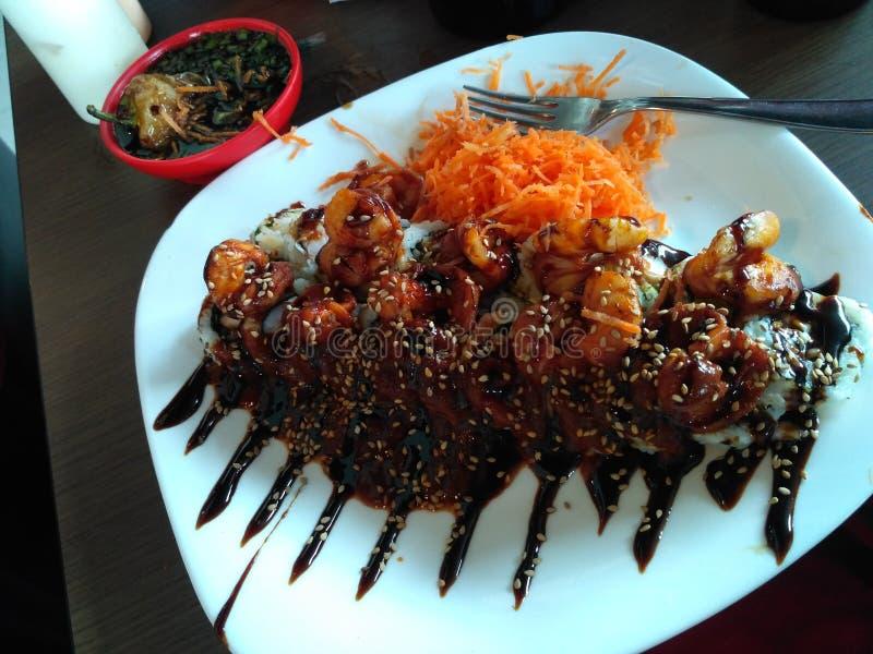 吃食物寿司 免版税库存图片
