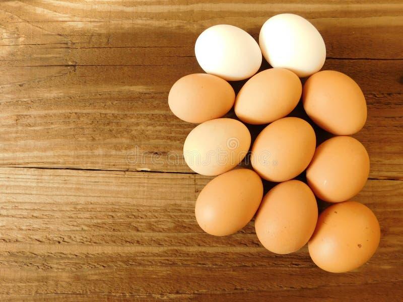 吃鸡蛋 库存图片