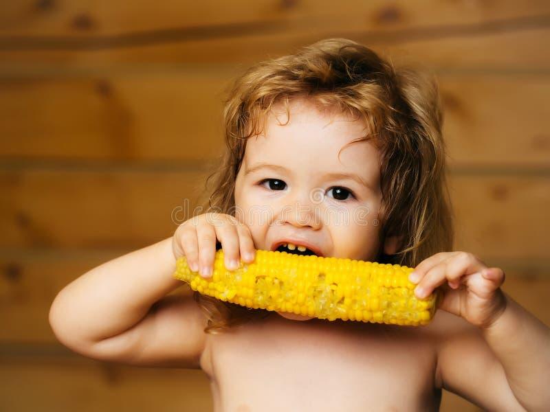 梦见小男孩吃玉米