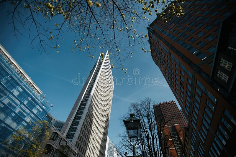各种各样的办公楼在海牙,荷兰摩天大楼,现代建筑学 免版税库存照片