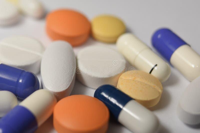 各种各样的医疗药片和 免版税库存图片