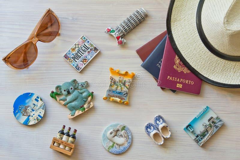 各种各样的护照和纪念品 库存照片